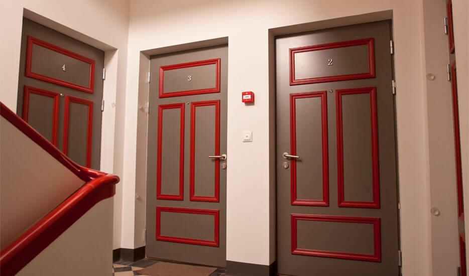 Liimitud kujundiga tuletõkkeuksed korterile