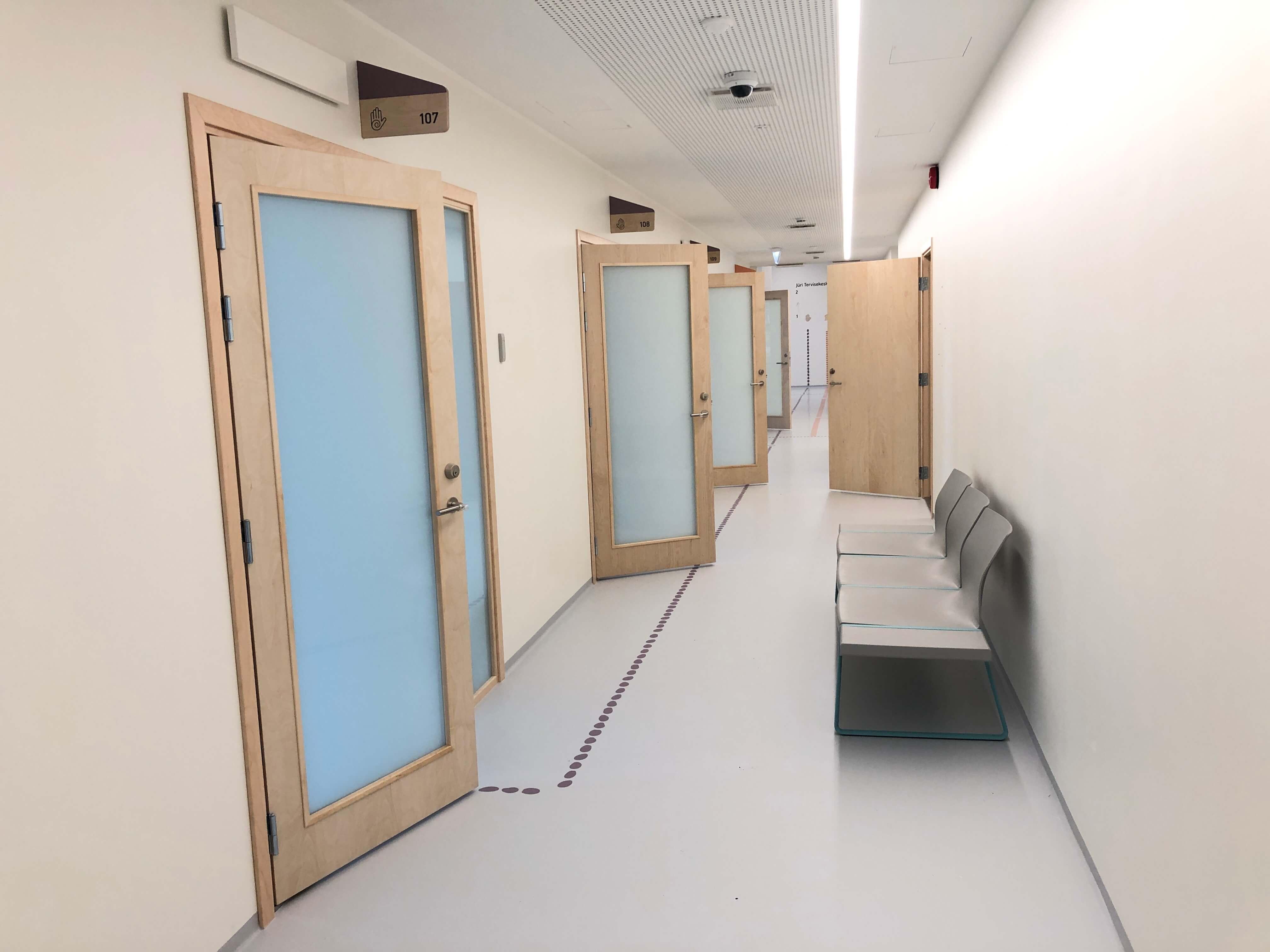 Jüri Tervisekeskuse siseuksed